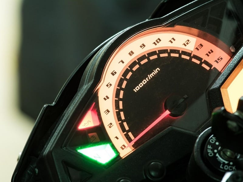 Neutral light on a motorcycle