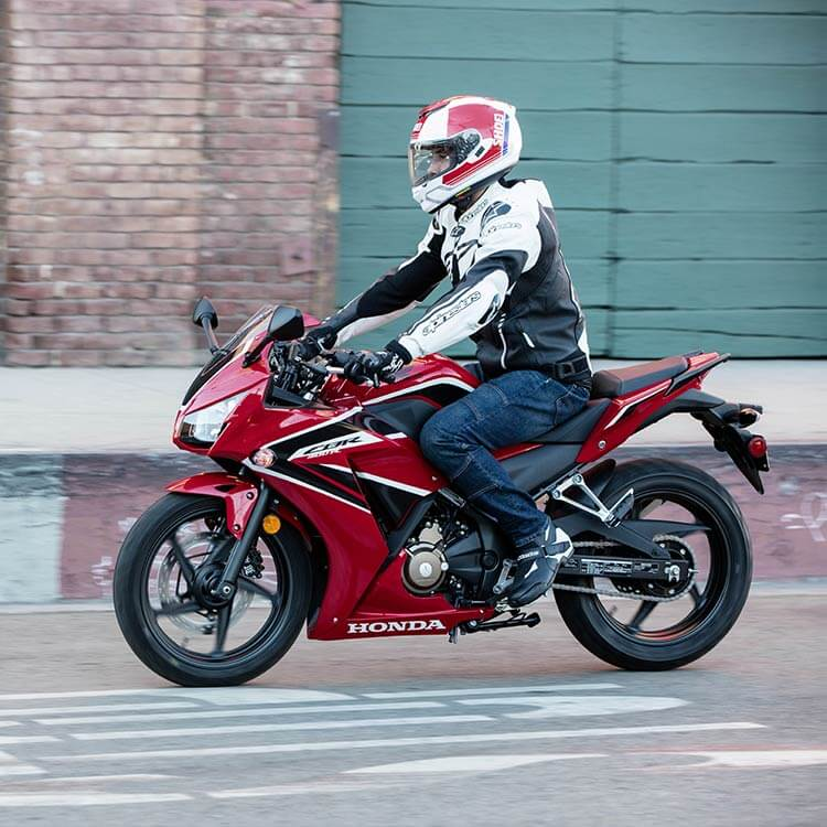 The Honda CBR 300 R is perfect for commuting